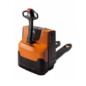 BT France launches Levio range - a new range of electric pallet trucks with accompanying drivers